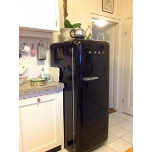 Холодильник SMEG FAB28RNE1