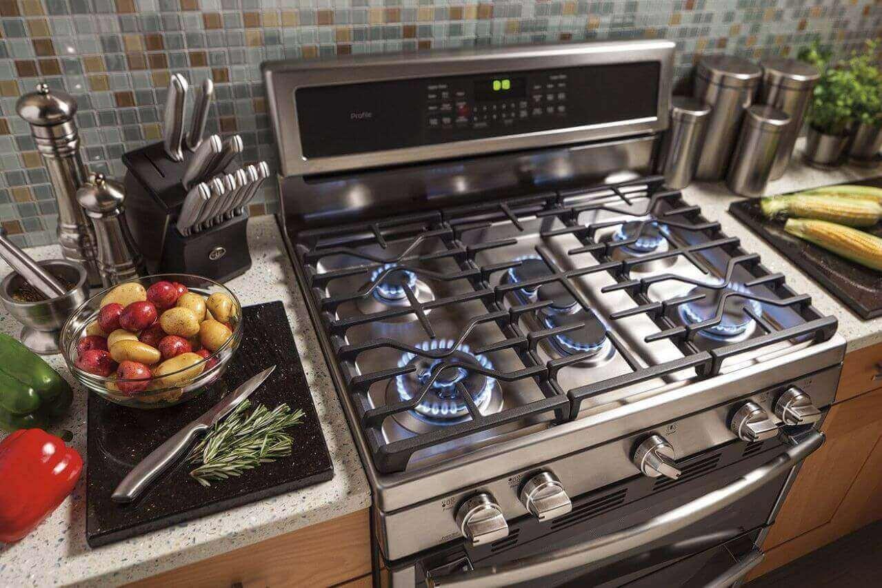 Картинка газовая плита на кухне